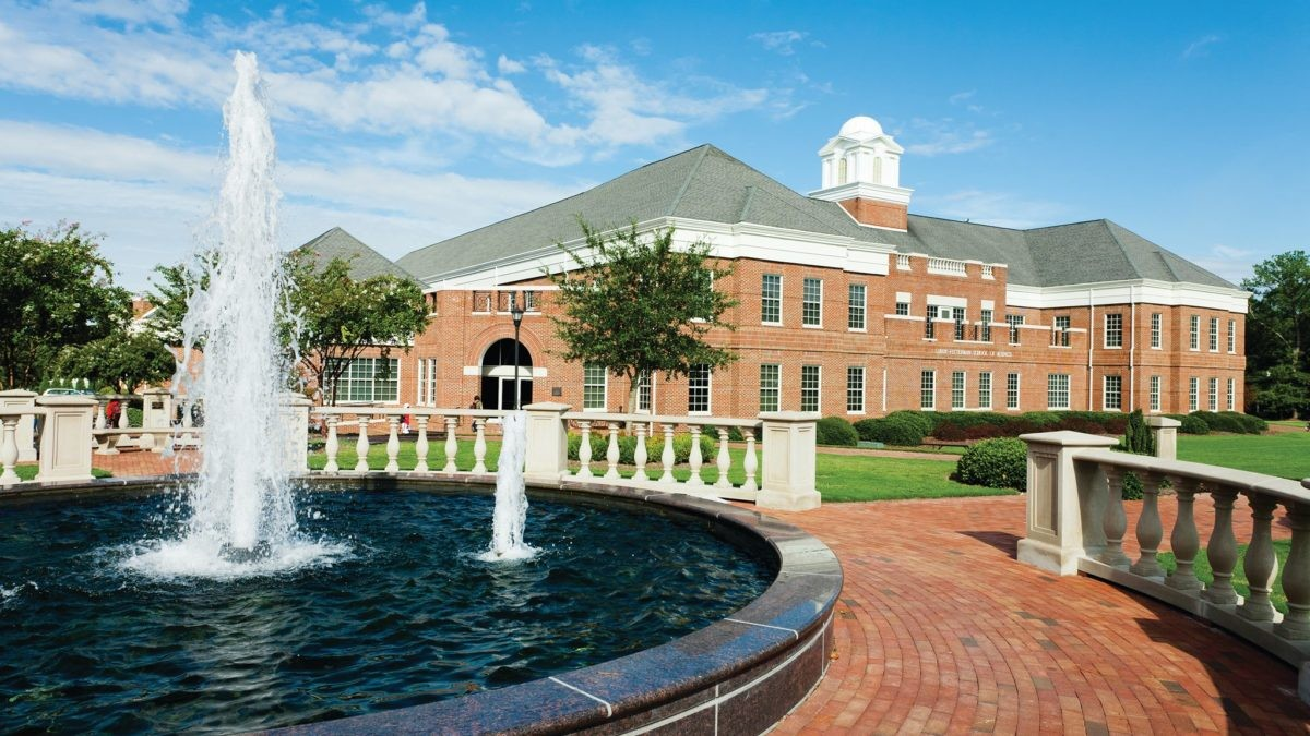 Therese Dew Honored by Campbell University